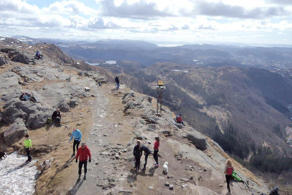 Norwegowie uwielbiają weekendowe wycieczki w góry