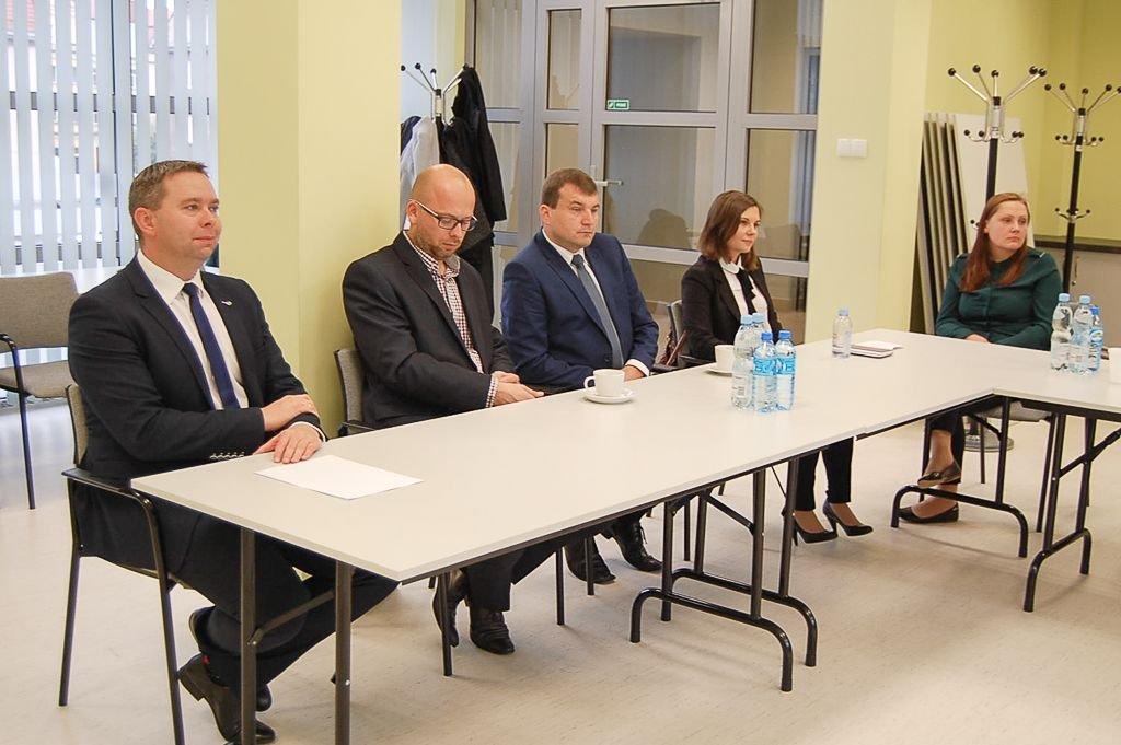 Powiat: 11 nowych nauczycieli mianowanych