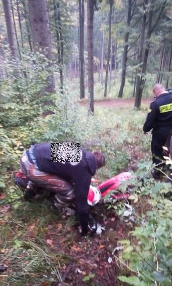Policja i straż leśna przeciwko nielegalnym rajdom quadami i motocyklami