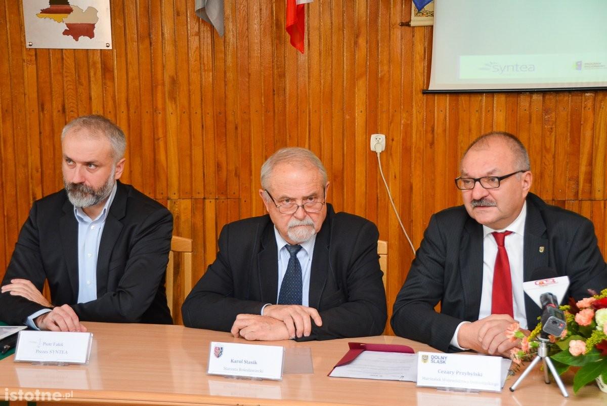 Niemal 5 mln zł na powiatowe szkolnictwo zawodowe. Umowa o dofinansowanie podpisana