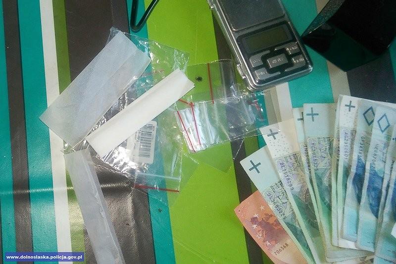 Dealer narkotykowy w rękach policji