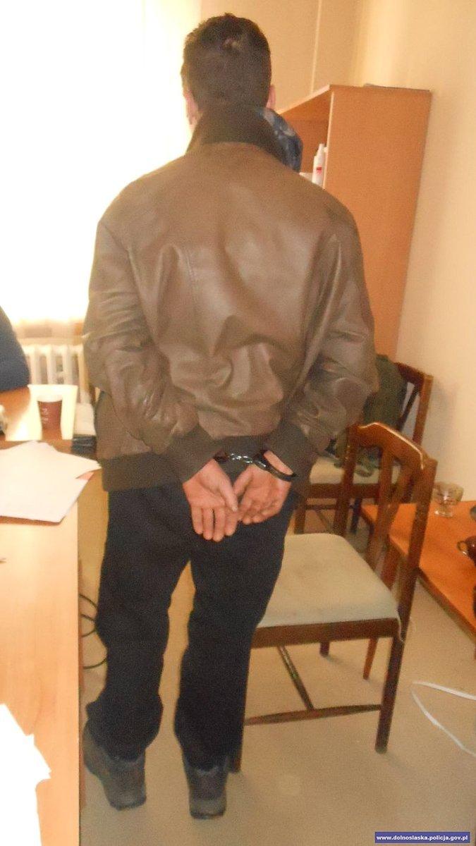 Recydywiści kradli alkohol i papierosy. Potem sprzedawali je za granicą