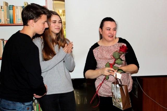 Biblioteka szkolna ZSOiZ gościła Grażynę Hanaf z-index: 0