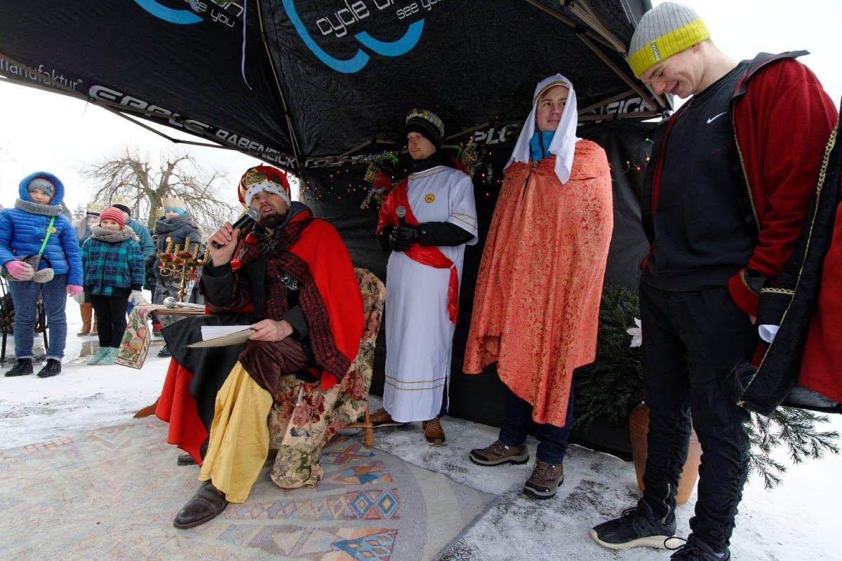 Zobacz, kto szedł w Orszaku Trzech Króli w gminie Osiecznica z-index: 0