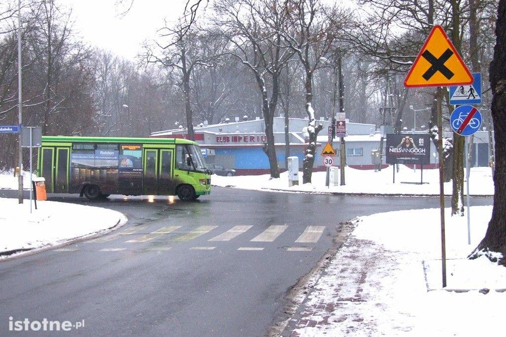 Skrzyżowanie Gdańska-Śluzowa z-index: 0