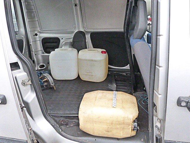 Chcieli ukraść 150 litrów paliwa z cysterny