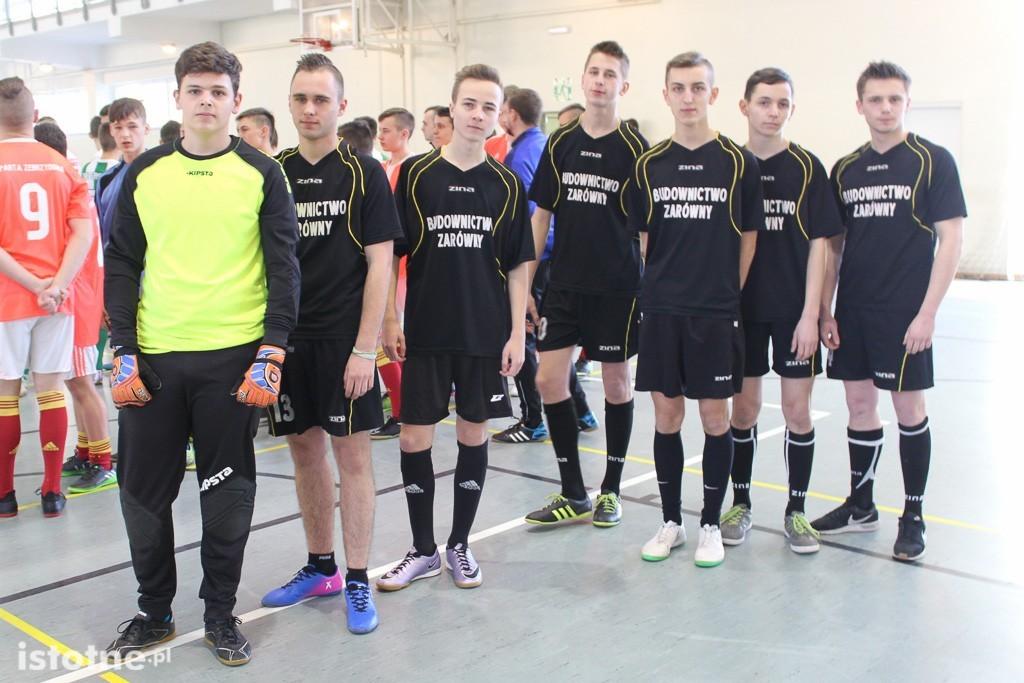 Dziesięć zespołów juniorów walczy o mistrzostwo powiatu