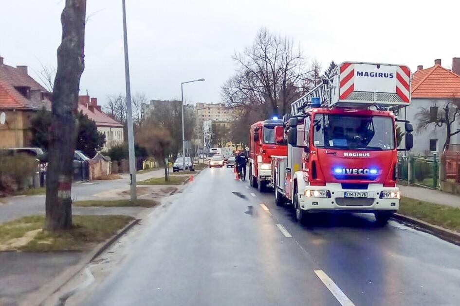 Wozy strażackie na ulicy Kosiby