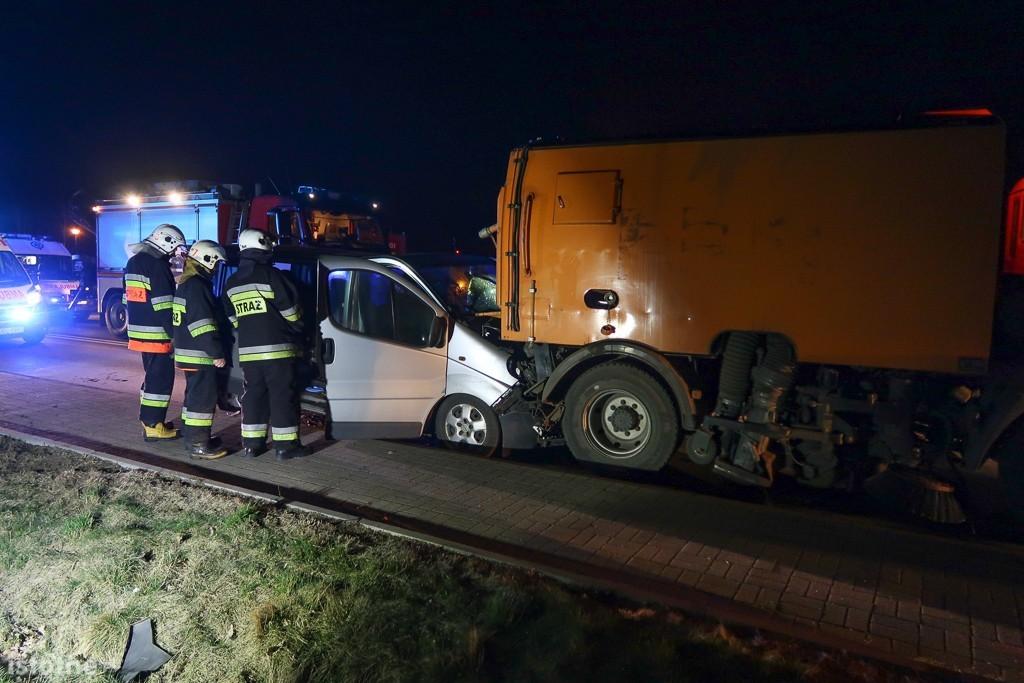Wypadek pod Bolesławcem, 7 osób rannych z-index: 0