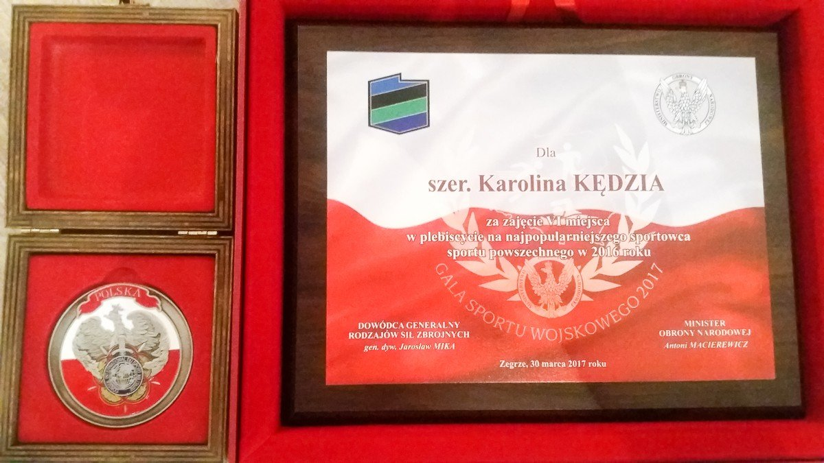 Szer. Karolina Kędzia uhonorowana przez Antoniego Macierewicza