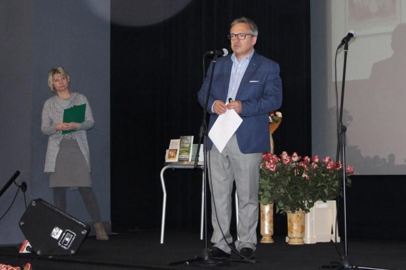 Promocja dwóch publikacji Muzeum Ceramiki, Piotr Roman, prezydent Miasta Bolesławiec z-index: 0