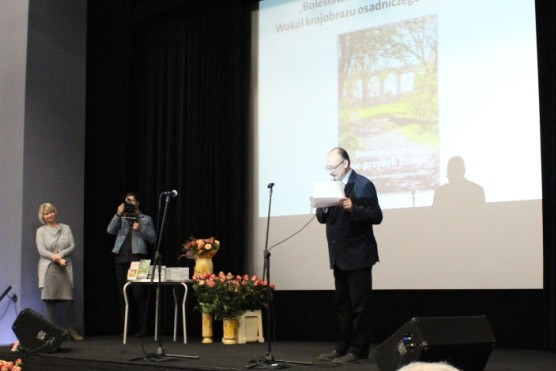 Promocja dwóch publikacji Muzeum Ceramiki, prof. zw. dr hab. Grzegorz Strauchold – Instytut Historyczny UWr z-index: 0