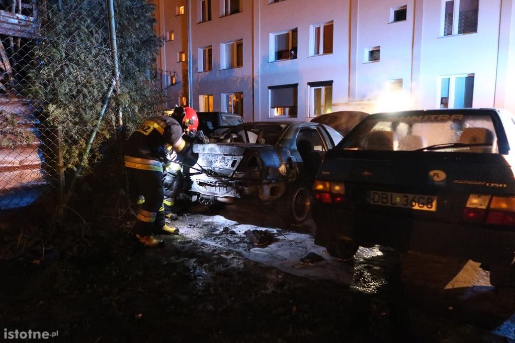 Pożar auta przy ul. Piotra i Pawła