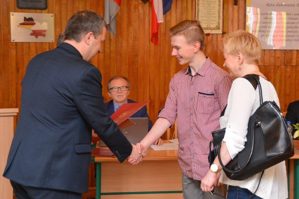 Najzdolniejsi uczniowie szkół ponadgimnazjalnych uhonorowani