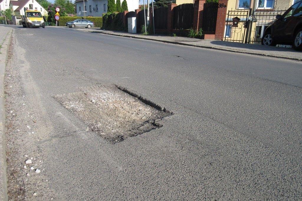 Dziury na Mostowej 17 maja 2017 roku