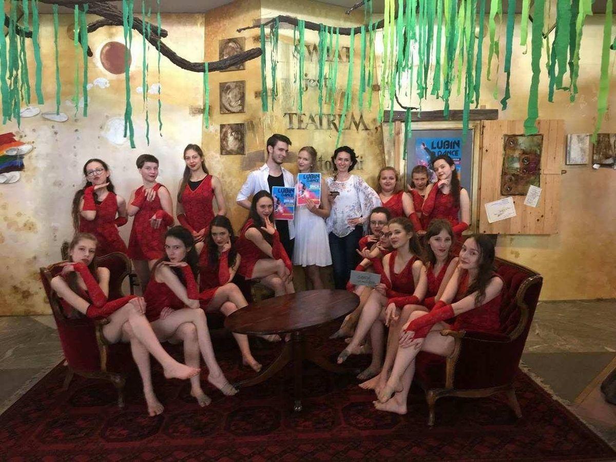 Grupa MODUS z Pracowni Tańca Współczesnego
