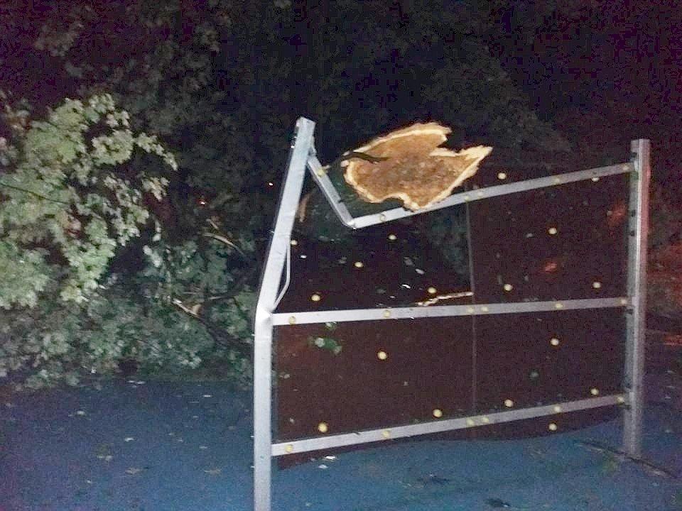 Nawałnica uszkodziła plac zabaw w Parku Miejskim