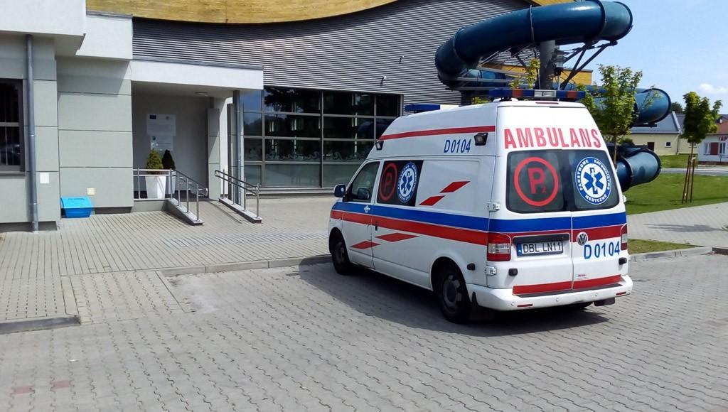 Reanimacja na basenie w Osiecznicy