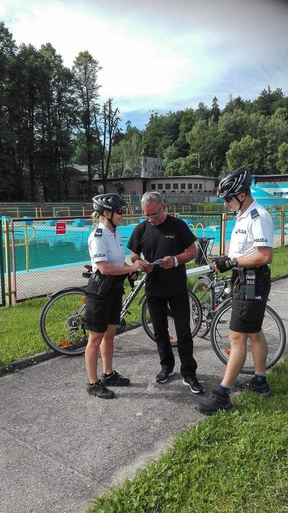 Patrole rowerowe kontrolują akweny