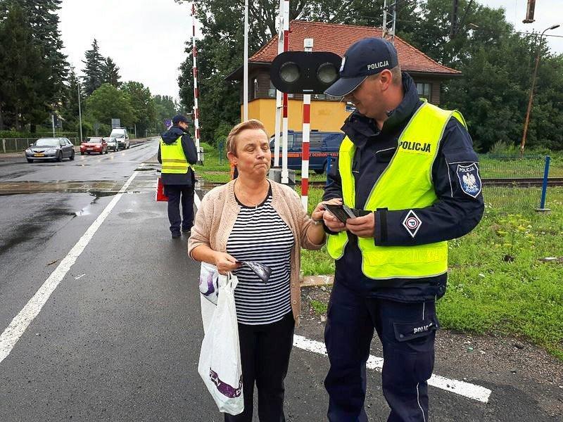"""Dzielnicowy i sokiści: akcja """"Bezpieczny przejazd"""""""