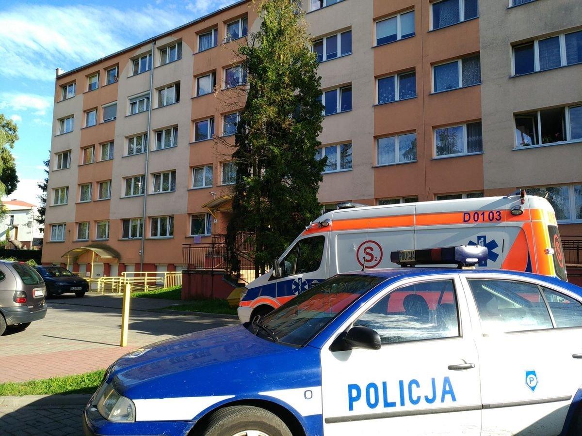 Do krwawej awantury rodzinnej doszło w jednym z mieszkań przy al. Wojska Polskiego w Bolesławcu