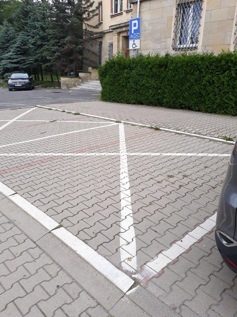 Niewłaściwe oznakowanie przy KPP Bolesławiec