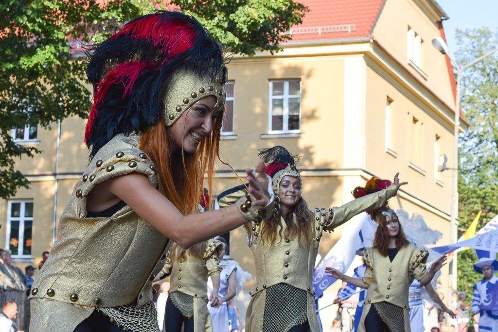 Barwny korowód Bolesławieckiego Święta Ceramiki