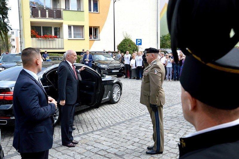 Bolesławieccy artylerzyści uczcili ofiary Zbrodni Lubińskiej z-index: 0