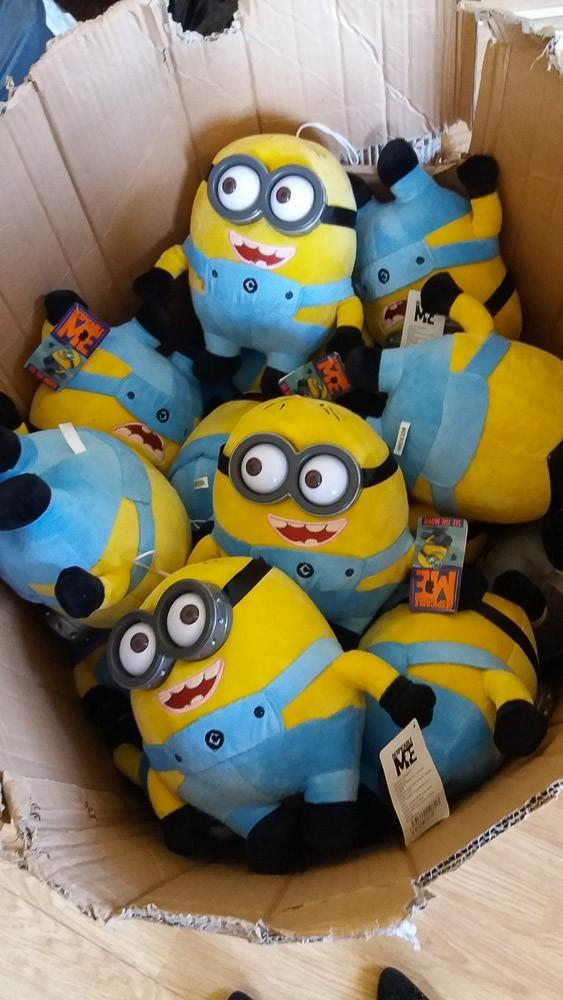 Policjanci udaremnili sprzedaż podrobionych Minionków i Pokemonów
