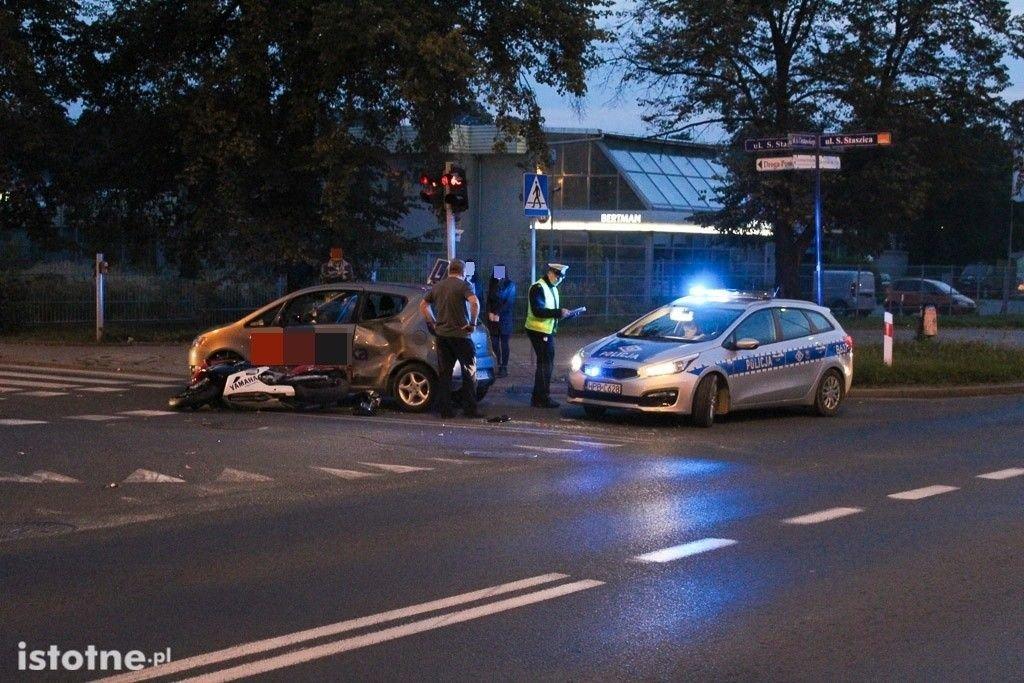 Zderzenie motocykla z nauką jazdy - jedna osoba ranna