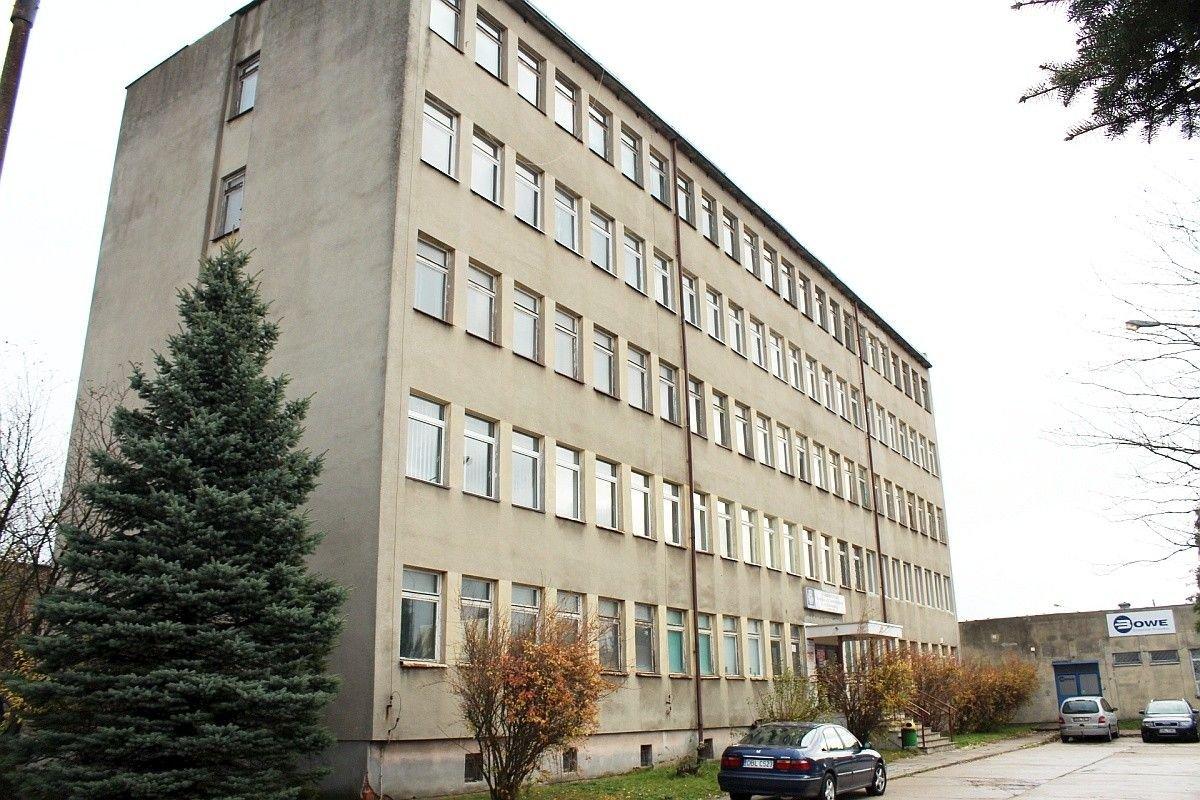 PKS Bolesławiec wynajmie: halę, plac i pomieszczenia biurowe