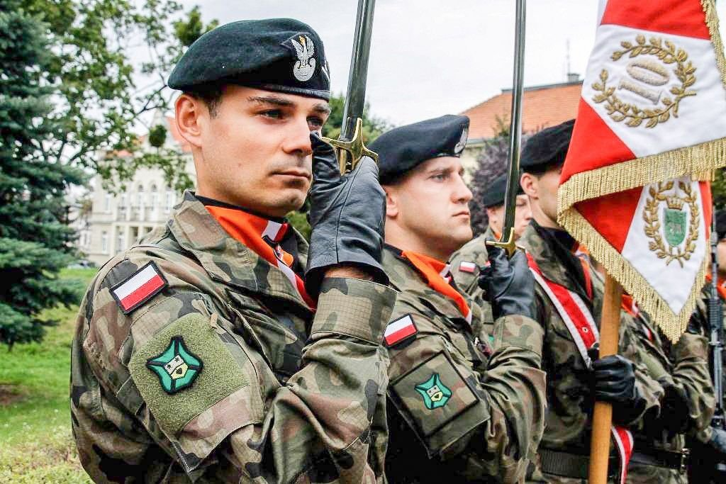 Pancerniak Dawid Semerjak wicemistrzem taktyki Wojsk Lądowych z-index: 0