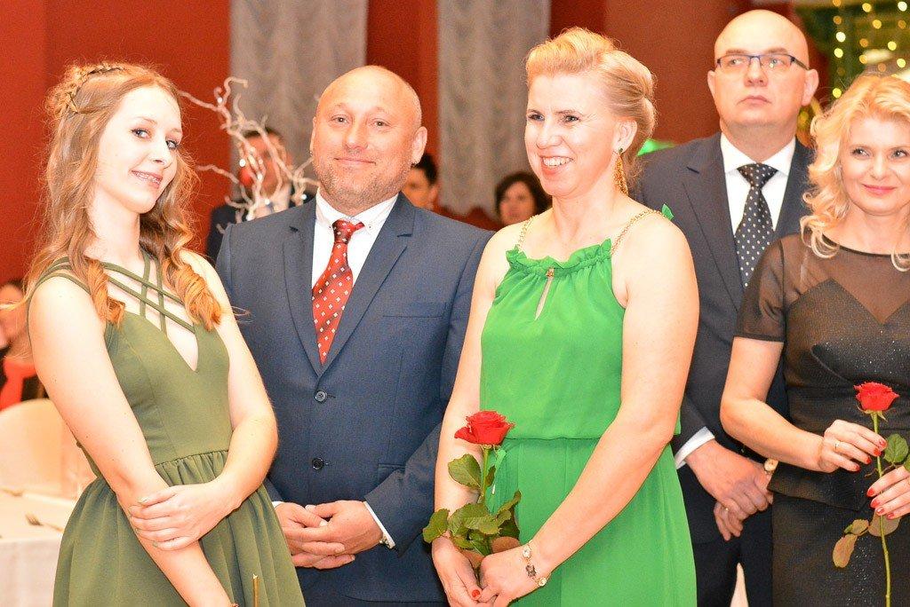 Studniówka uczniów Zespołu Szkół Handlowych i Usługowych w Bolesławcu w Pałacu Brunów (powiat lwówecki)