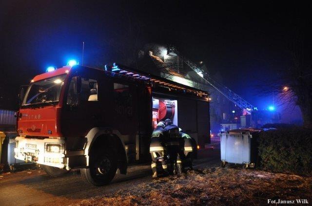 Gasili płonące kominy. Dwie osoby ewakuowane z-index: 0