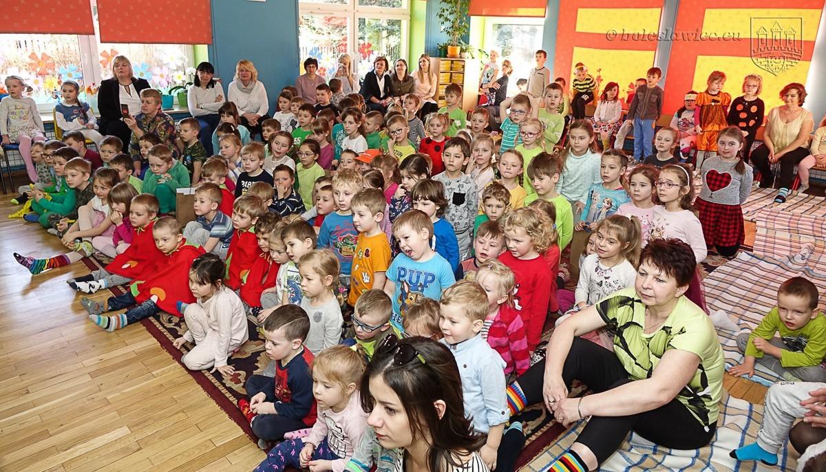 Dzień Kolorowej Skarpetki w miejskim przedszkolu nr 7