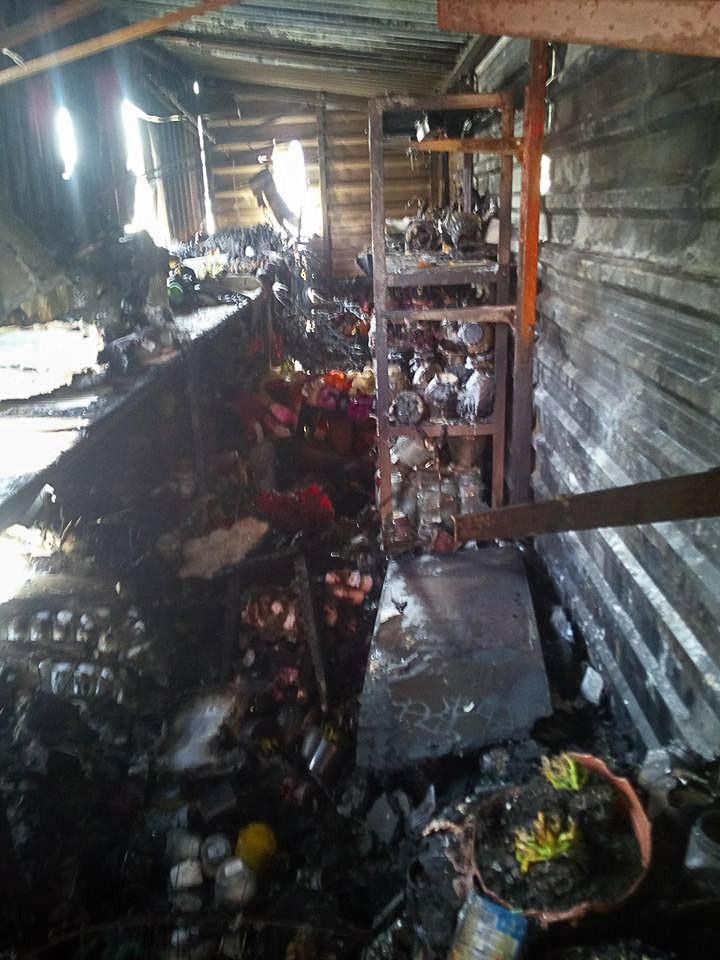 Podpalili kontener ze zniczami przy cmentarzu?