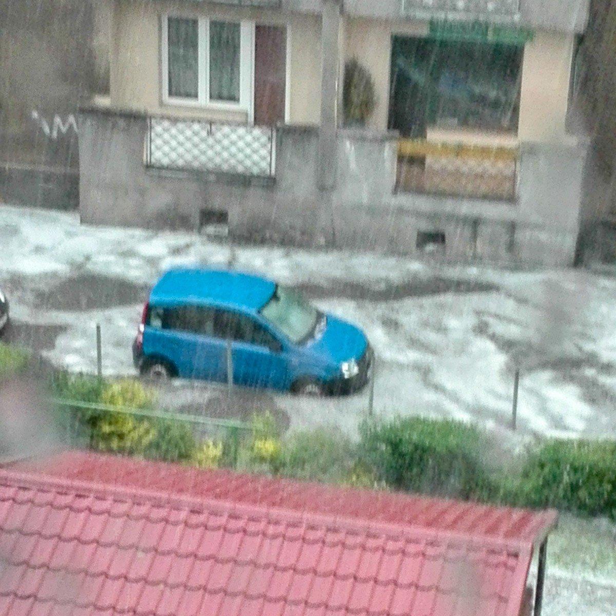 Woda na ul. Mazowieckiej w Bolesławcu