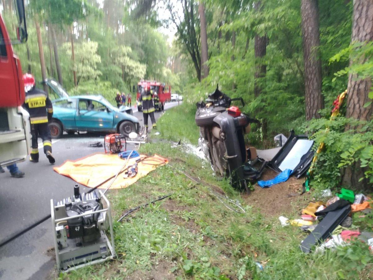 Wypadek za Dobrą, zderzyły się dwa auta z-index: 0