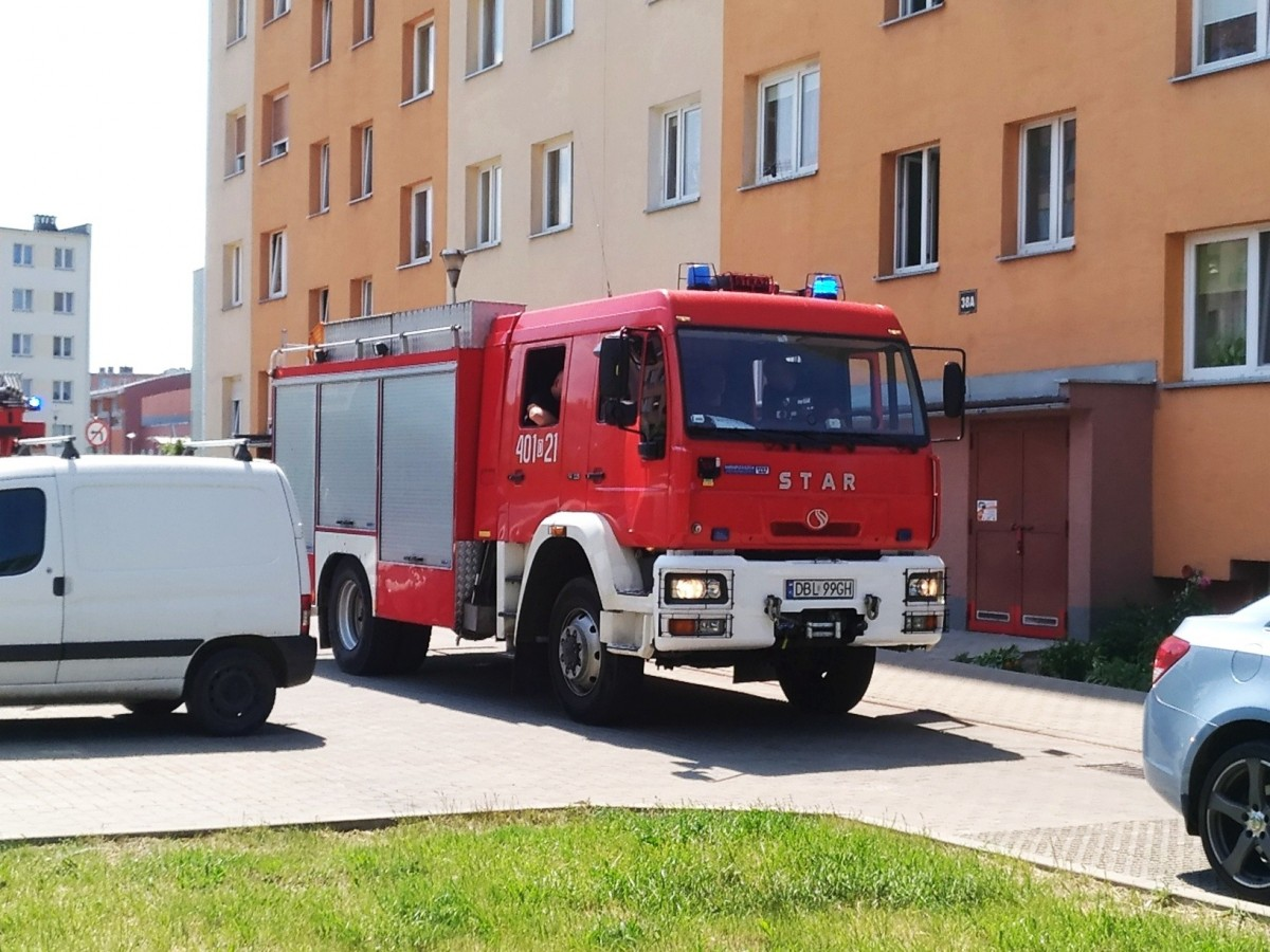 Akcja straży pożarnej w wieżowcu przy Gałczyńskiego