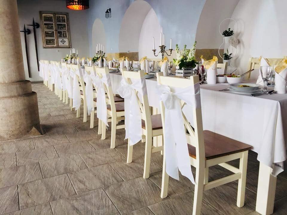Restauracja Rycerska we Lwówku Śląskim - dancingi z-index: 0