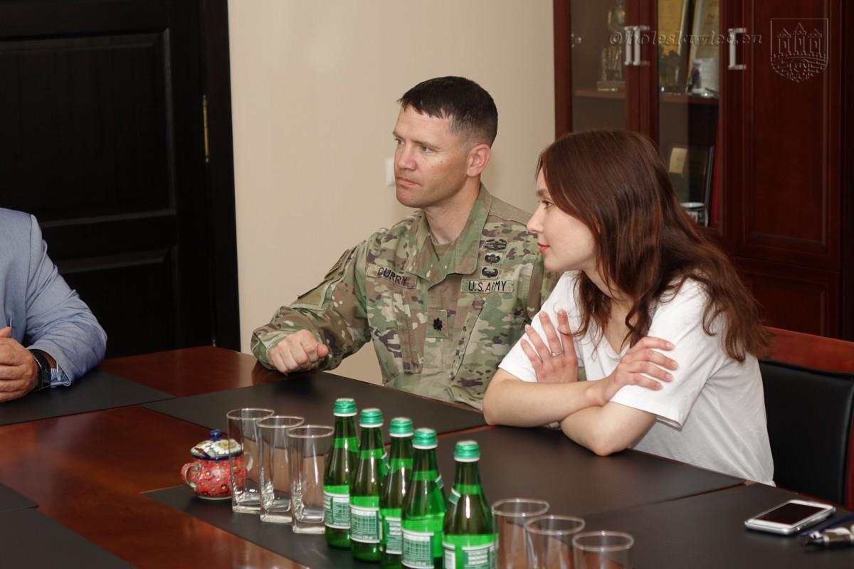 Nowy szef żołnierzy US Army z wizytą w bolesławieckim ratuszu z-index: 0