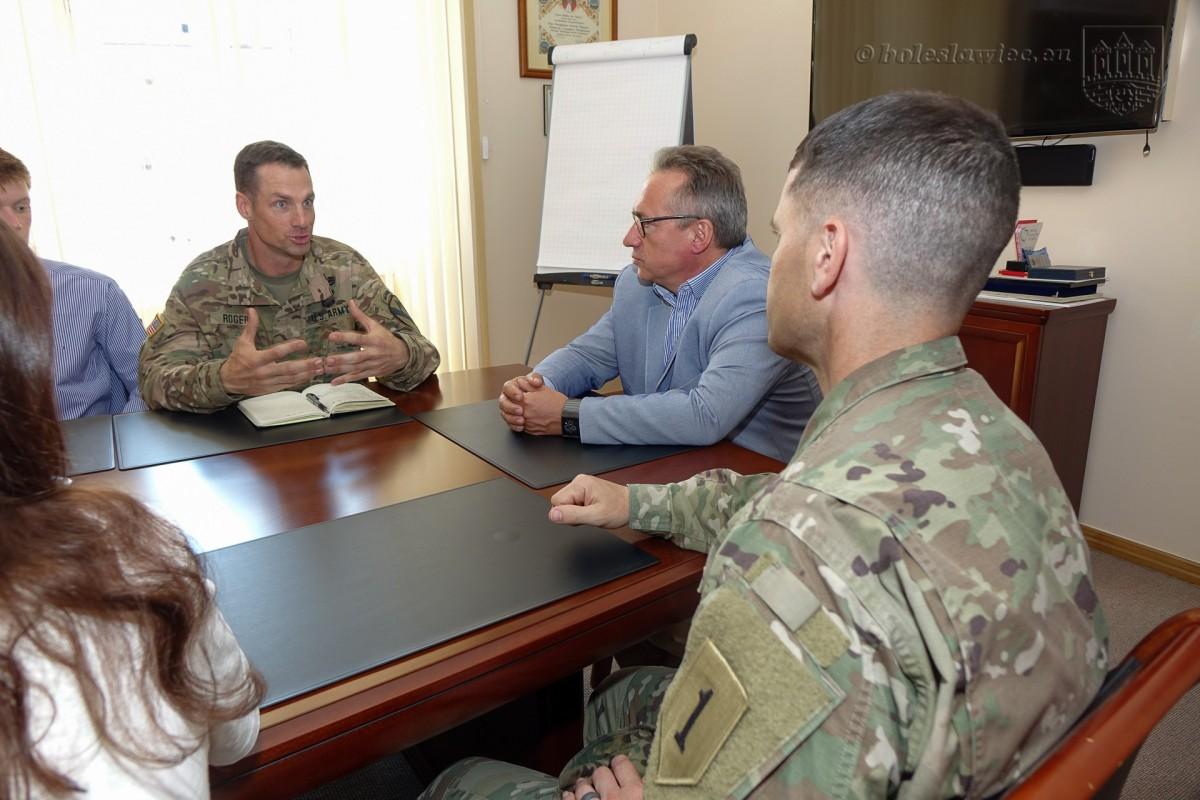 Nowy szef żołnierzy US Army z wizytą w bolesławieckim ratuszu