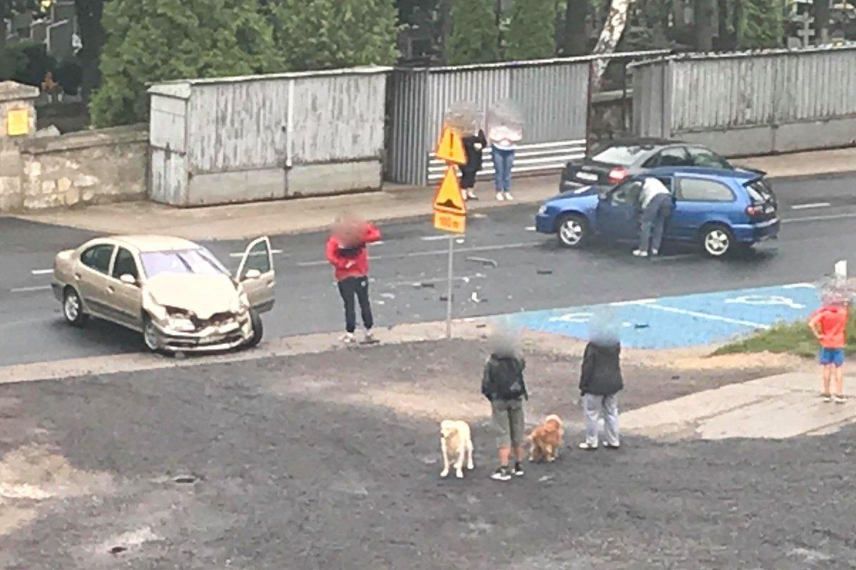 Wypadek na Śluzowej. Zderzyły się trzy auta