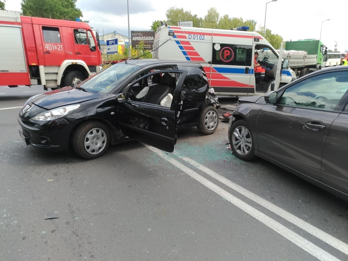 Wypadek na krzyżówce Cieszkowskiego-Modłowa