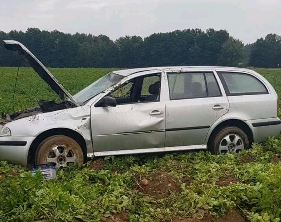 Dachowanie auta w Lubkowie z-index: 0