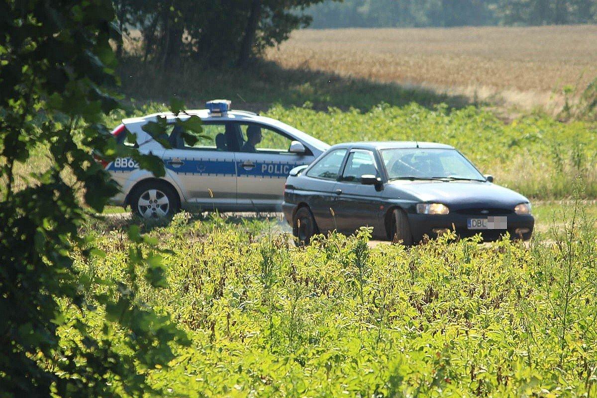 Porzucone auto w Łaziskach