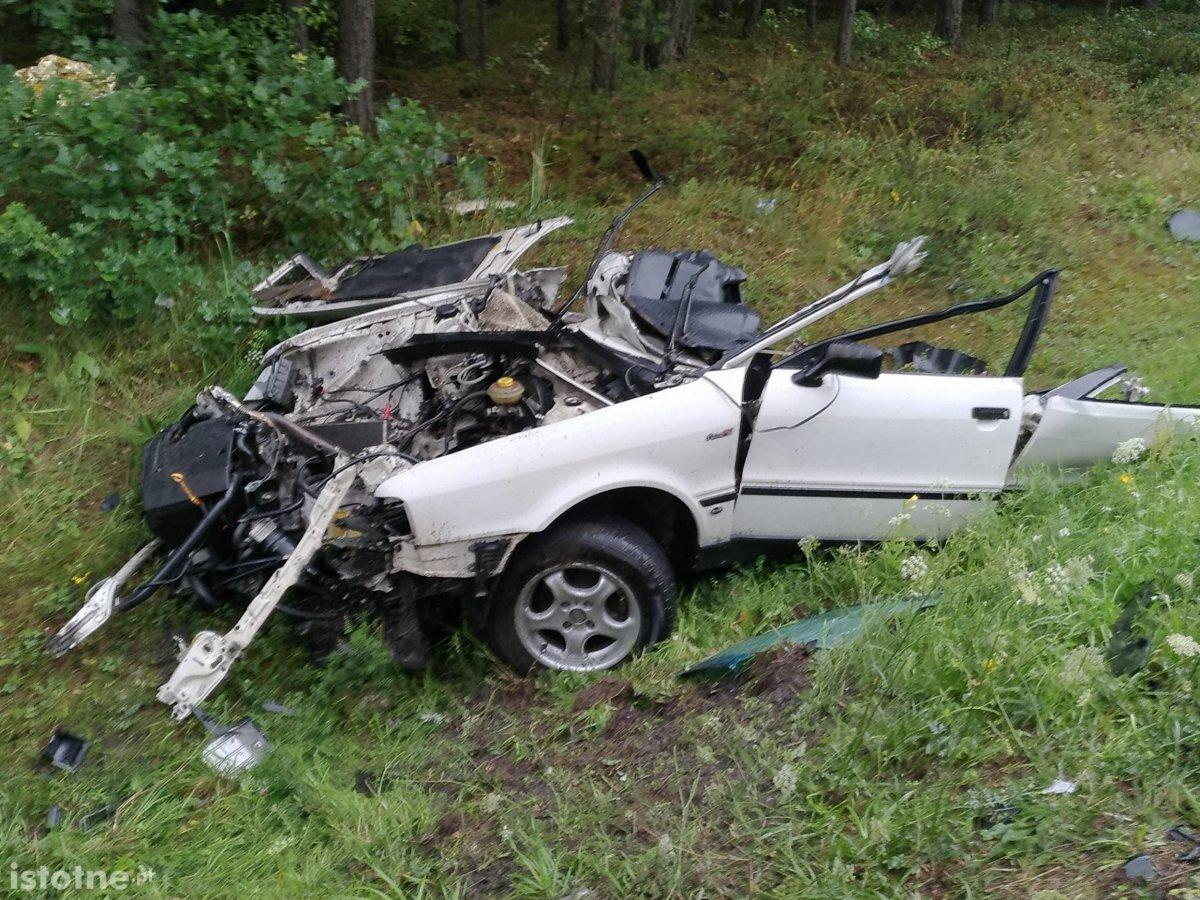 Śmiertelny wypadek koło Trzebienia, kierowca audi nie żyje