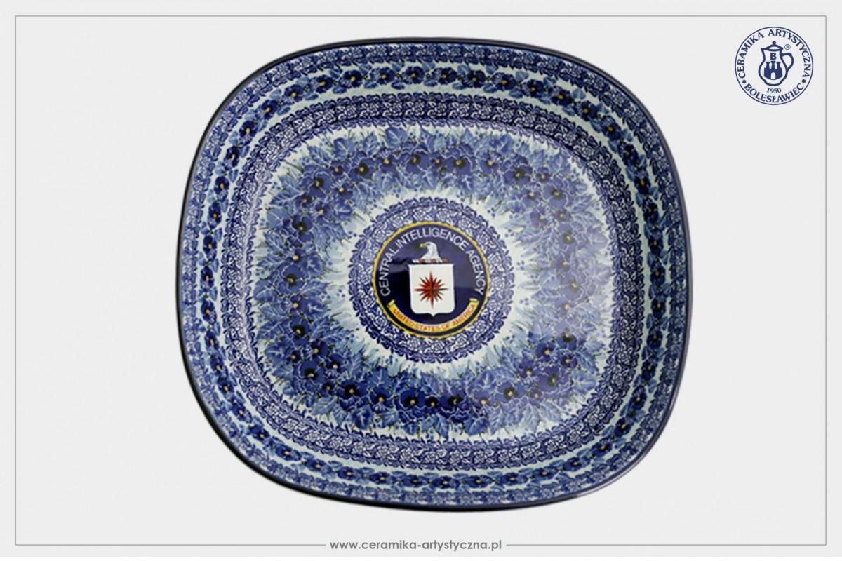 Ceramika wyprodukowana dla CIA przez Ceramikę Artystyczną Spółdzielnię Rękodzieła Artystycznego z-index: 0