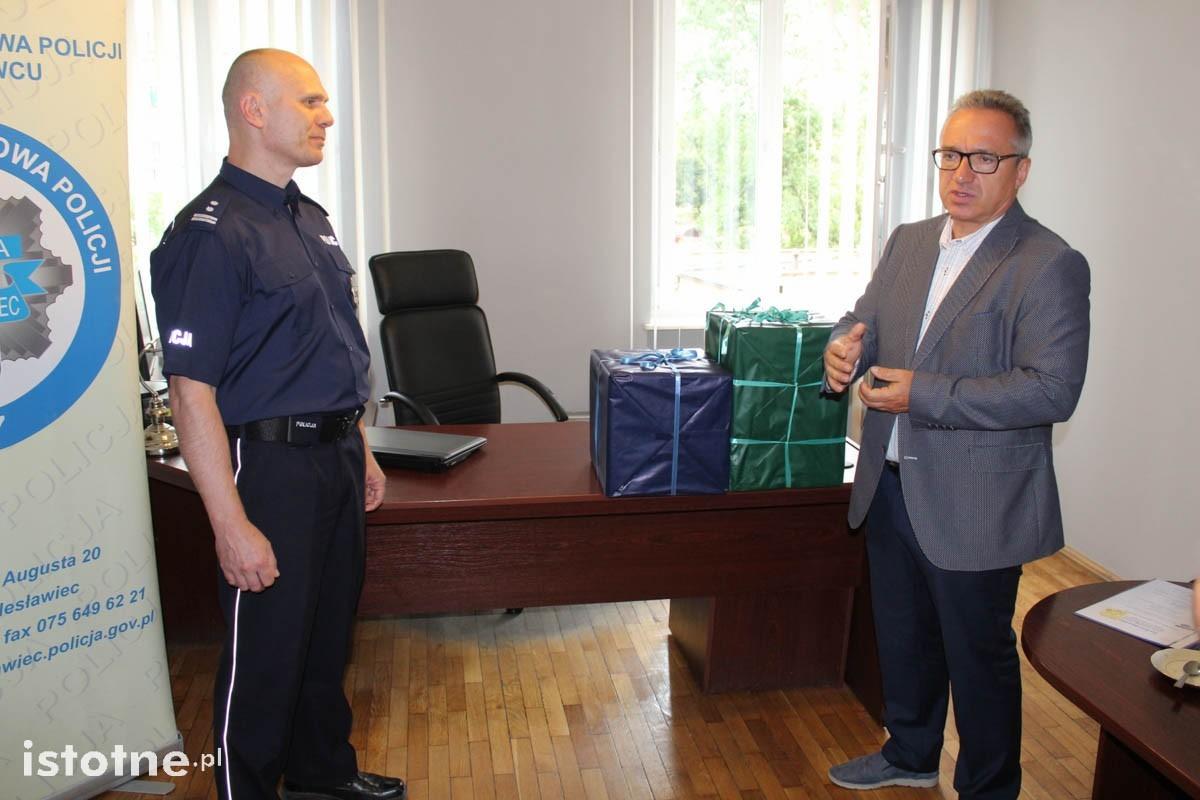 Sto narkotestów i pięć alkomatów dla bolesławieckiej policji z-index: 0