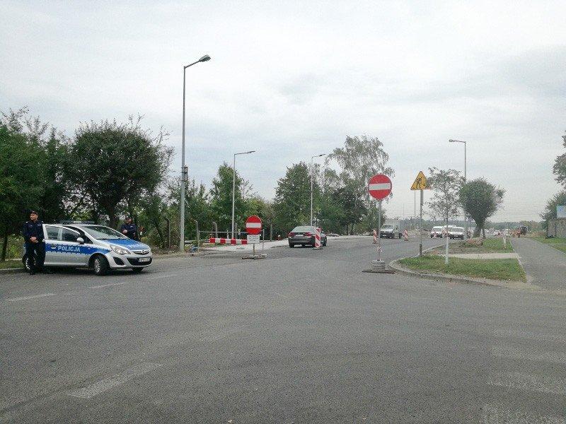 Nagminnie łamią zakaz wjazdu na rondo w Kruszynie